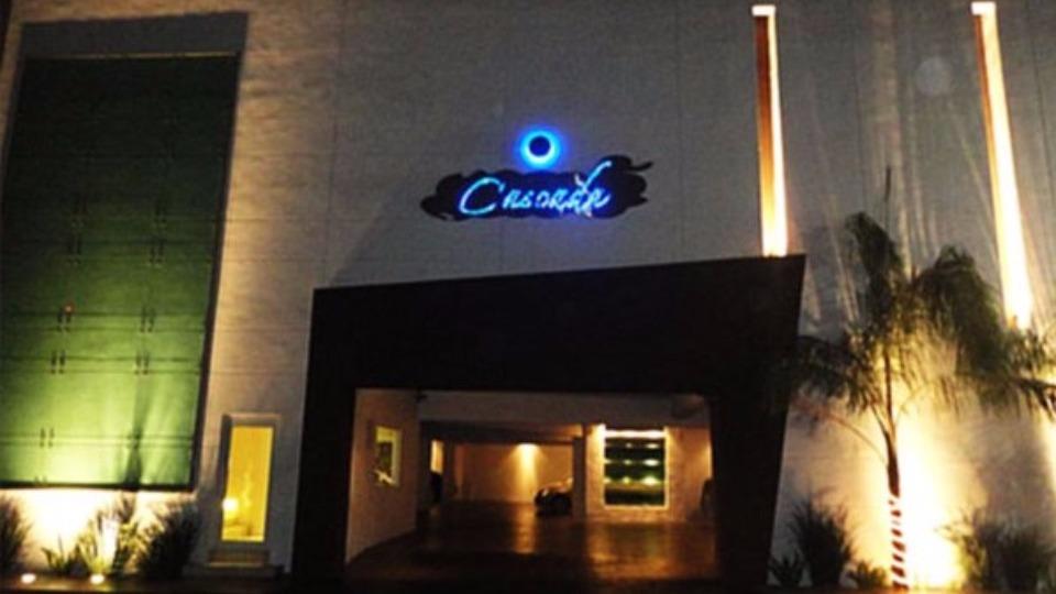 hotel-cascada-noche